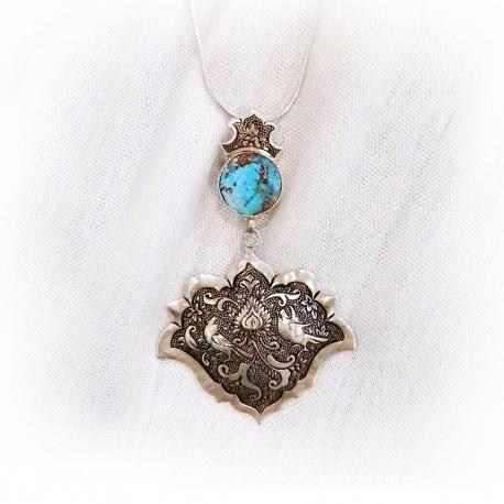 گردنبند نقره مزین به سنگ فیروزه اصفهان هنر